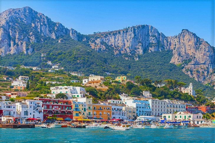 italy-rome-to-capri-get-there-train-boat